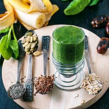 Oh Mg! - Flax seeds, spinach, oats, pumpkin seeds, coconut water, banana, swiss chard, medjool dates and chia seeds smoothie