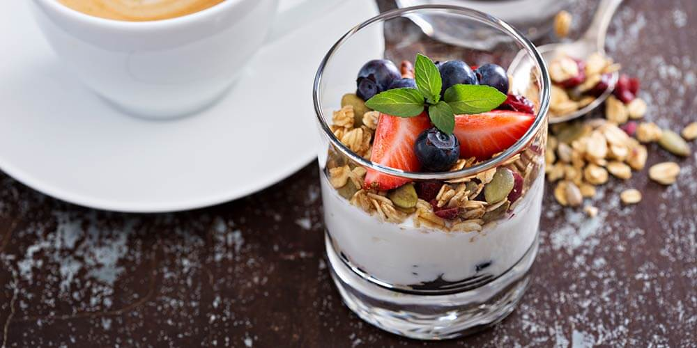 yogurt_parfait_breakfast