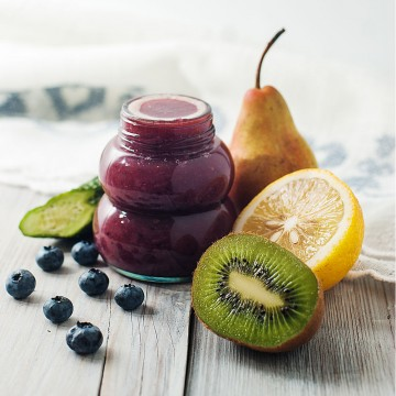 Sweet & lemony - Blueberries, coconut water, kiwifruit, cucumber, lemon and pear smoothie